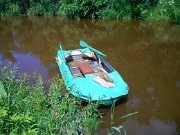 Скучает лодка без рыбака.